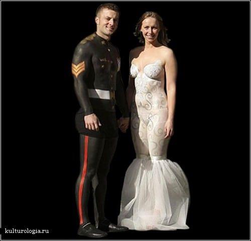 Свадебное платье просто нарисовано на теле невесты
