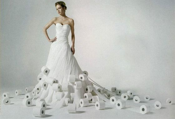 платье из туалетной бумаги