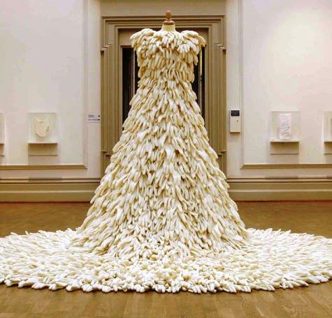 свадебное платье из презервативов